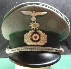 Outstanding Heer Mountain Troops Visor Hat w Traditions Edelweis